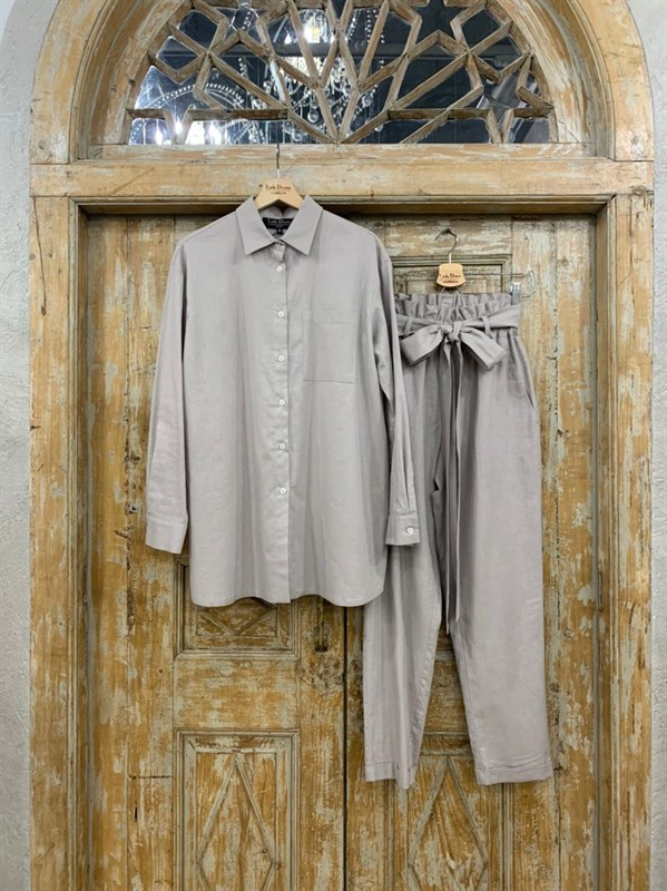 КОСТЮМ ЛЬНЯНОЙ (рубашка свободная и брюки зауженные на резинке с поясом-бант) - фото 6969