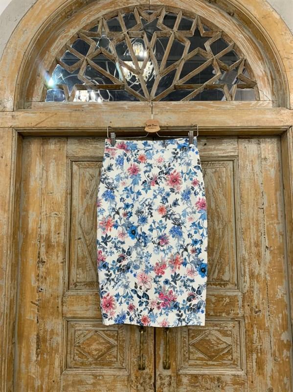 ЮБКА-КАРАНДАШ миди, цветы, длина 67 см - фото 7289
