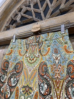 ЮБКА (ТРАПЕЦИЯ, МИНИ, с воланом, из джинсовой ткани в огурцы) - фото 10848