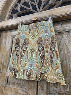 ЮБКА (ТРАПЕЦИЯ, МИНИ, с воланом, из джинсовой ткани в огурцы) - фото 10850
