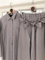 КОСТЮМ ЛЬНЯНОЙ (рубашка свободная и брюки зауженные на резинке с поясом-бант) - фото 5500