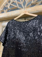 ПЛАТЬЕ-трапеция, мини, с треугольным вырезом на спине (пайетки) - фото 6329