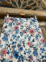 ЮБКА-КАРАНДАШ миди, цветы, длина 67 см - фото 7290