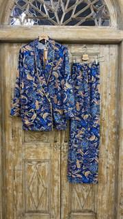 БРЮКИ свободные в пижамном стиле на мягкой резинке (из вискозы в огурцы) - фото 8542
