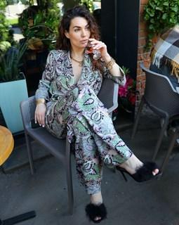 БРЮКИ свободные в пижамном стиле на мягкой резинке (из вискозы в огурцы) - фото 8553
